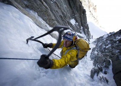 Climbing ice to get to the top in Chamonix, France, on 13 February 2011. — photo : Christian Pondella